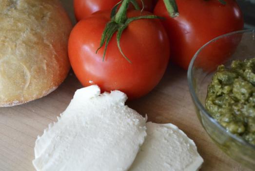 Tomato mozzarella pesto grilled cheese